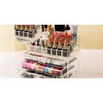 Луксозен органайзер за козметика и бижута с много отделения и три кадифени чекмеджета