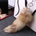 Висулка за чанта/ключодържател от естествен косъм опашка от лисица - модел 2
