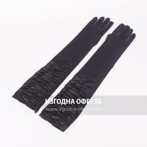Дълги черни сатенени ръкавици с ефектен набор